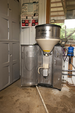 automatic calf feeder